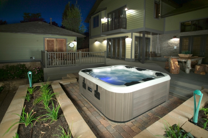 Backyard Landscaping Hot Tub : Hot tub hottubfireplace